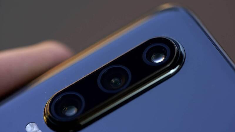 Huawei P30 svelato: tripla fotocamera posteriore a 799,90 euro