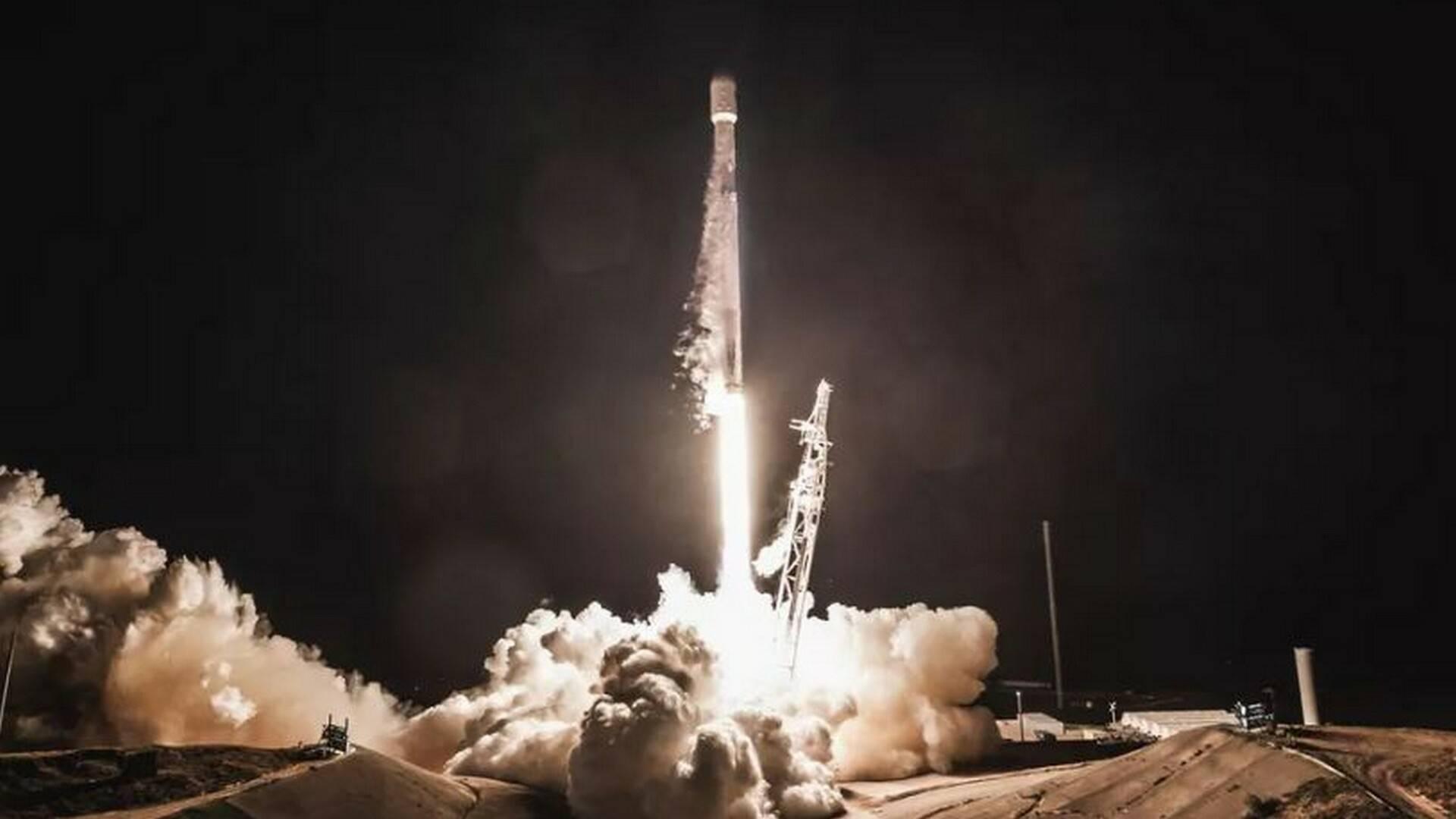 SpaceX Falcon 9 lancio