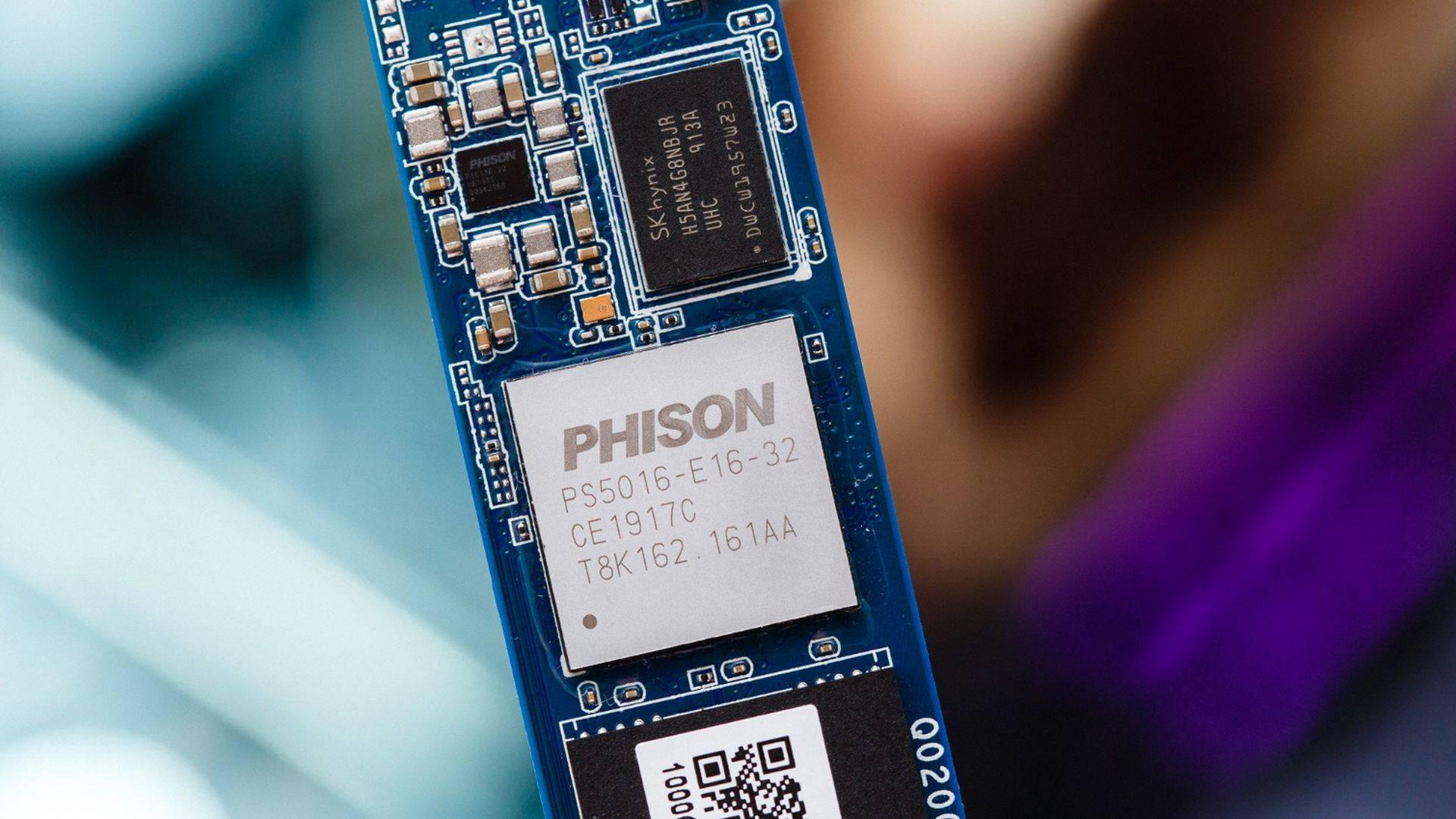 Phison E16