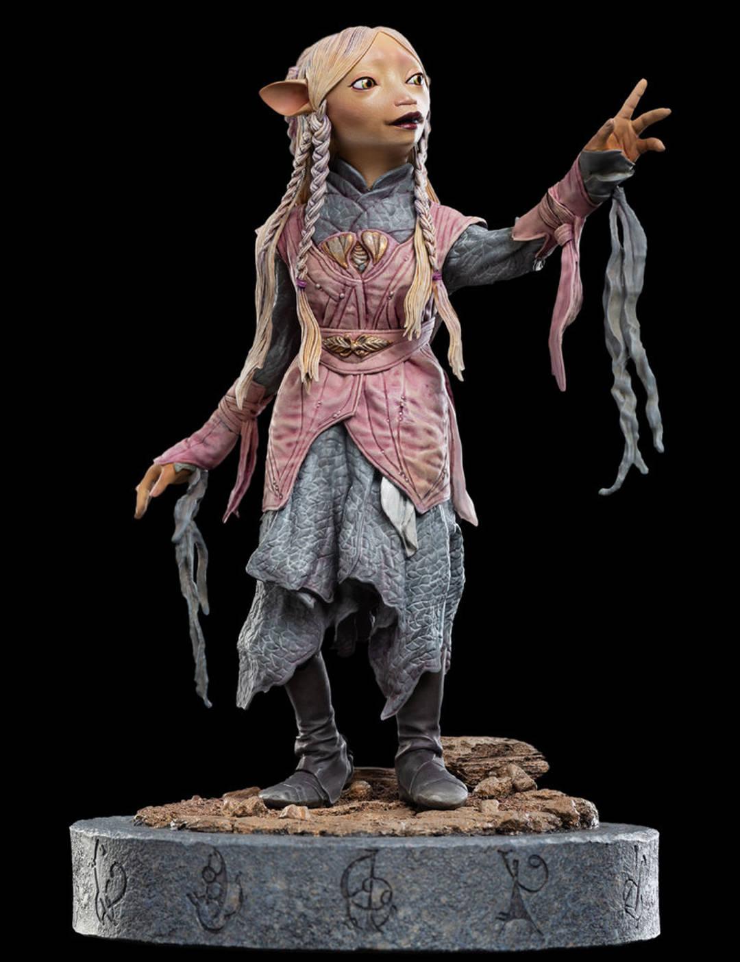 Dark Crystal Statue
