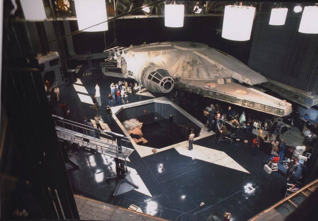Millennium falcon 32