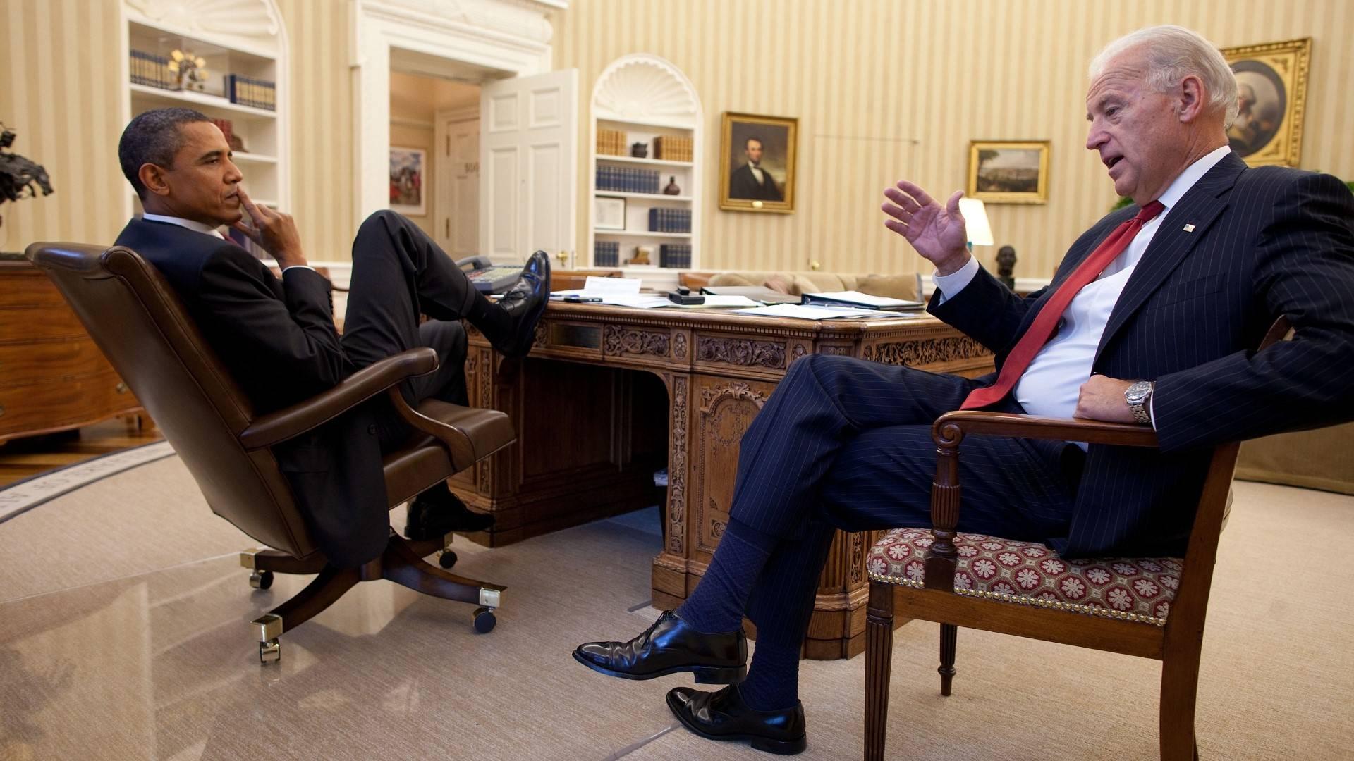 Joe Biden Barak Obama Casa Bianca Stanza Ovale