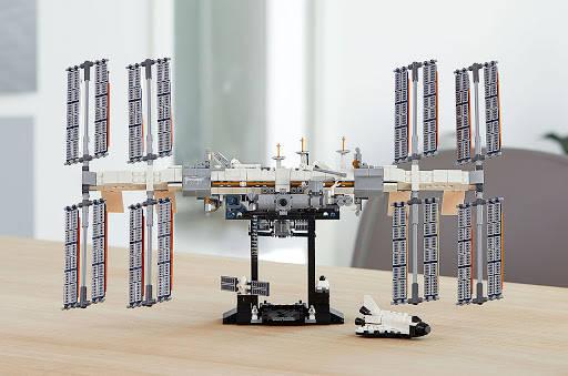 stazione spaziale internazionale 2