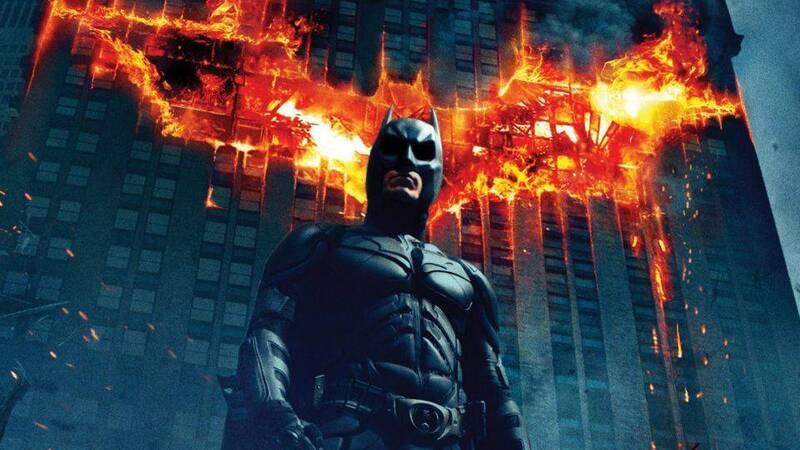 Il Cavaliere Oscuro, la storia del celebre cinecomic di Christopher Nolan