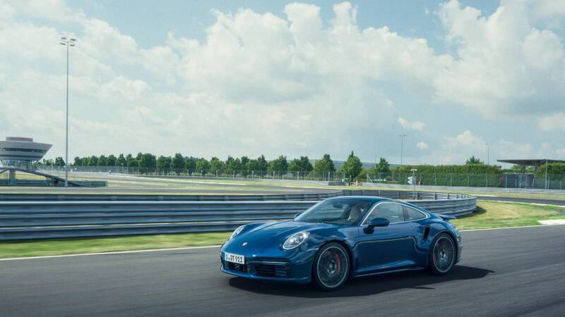 Porsche: The 911 will not be fully electric, a plug-in hybrid version likely