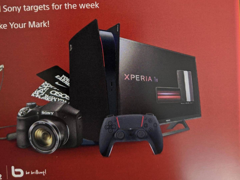 PS5 PlayStation 5 nera rossa 4:3