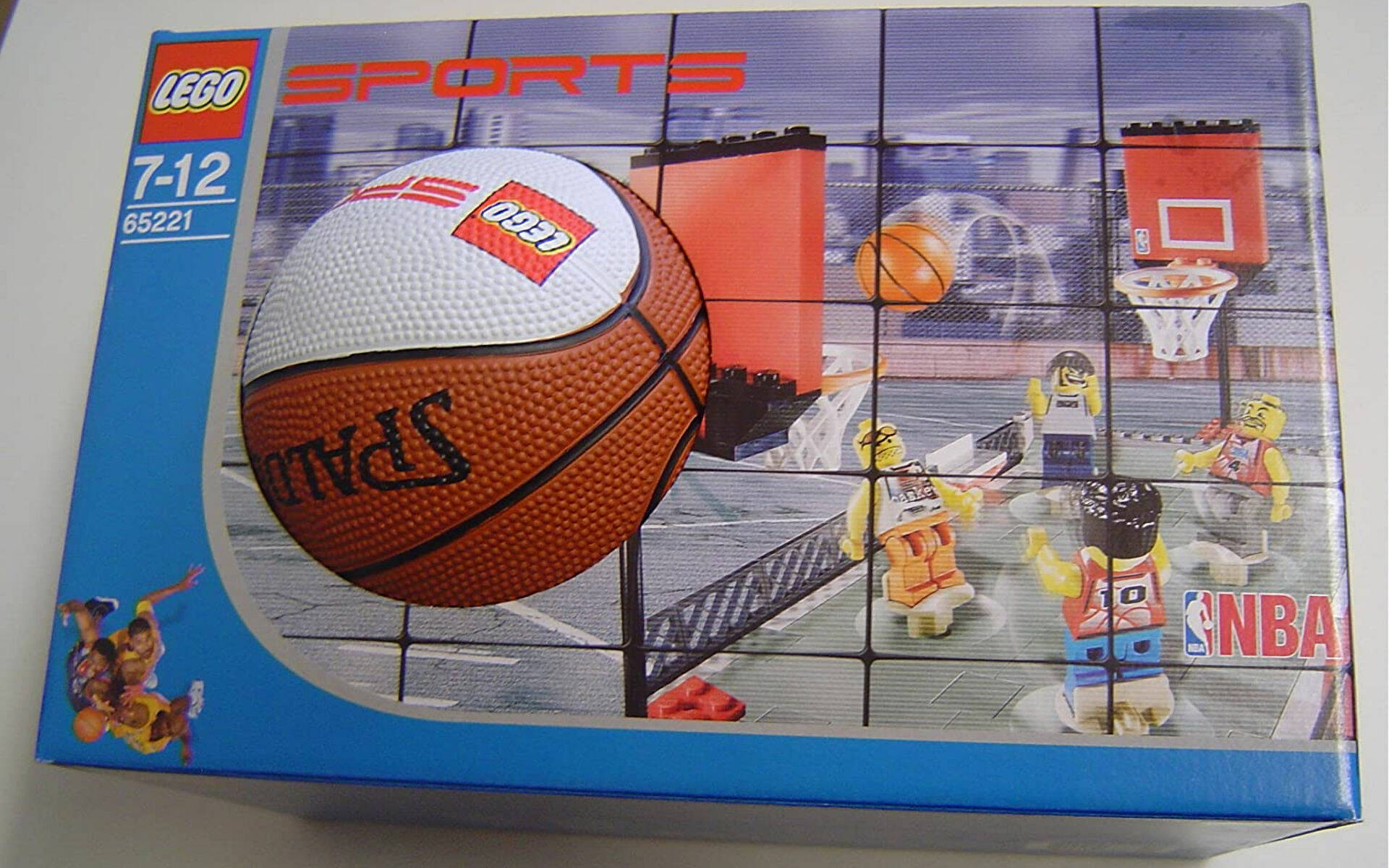 ADIDAS E LEGO ACCORDO PLURIENNALE