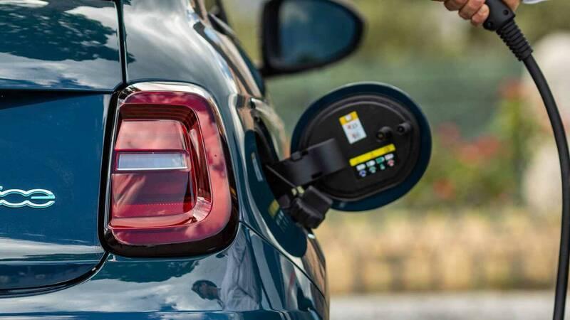 Quanto consuma la nuova Fiat 500e? Ce lo …
