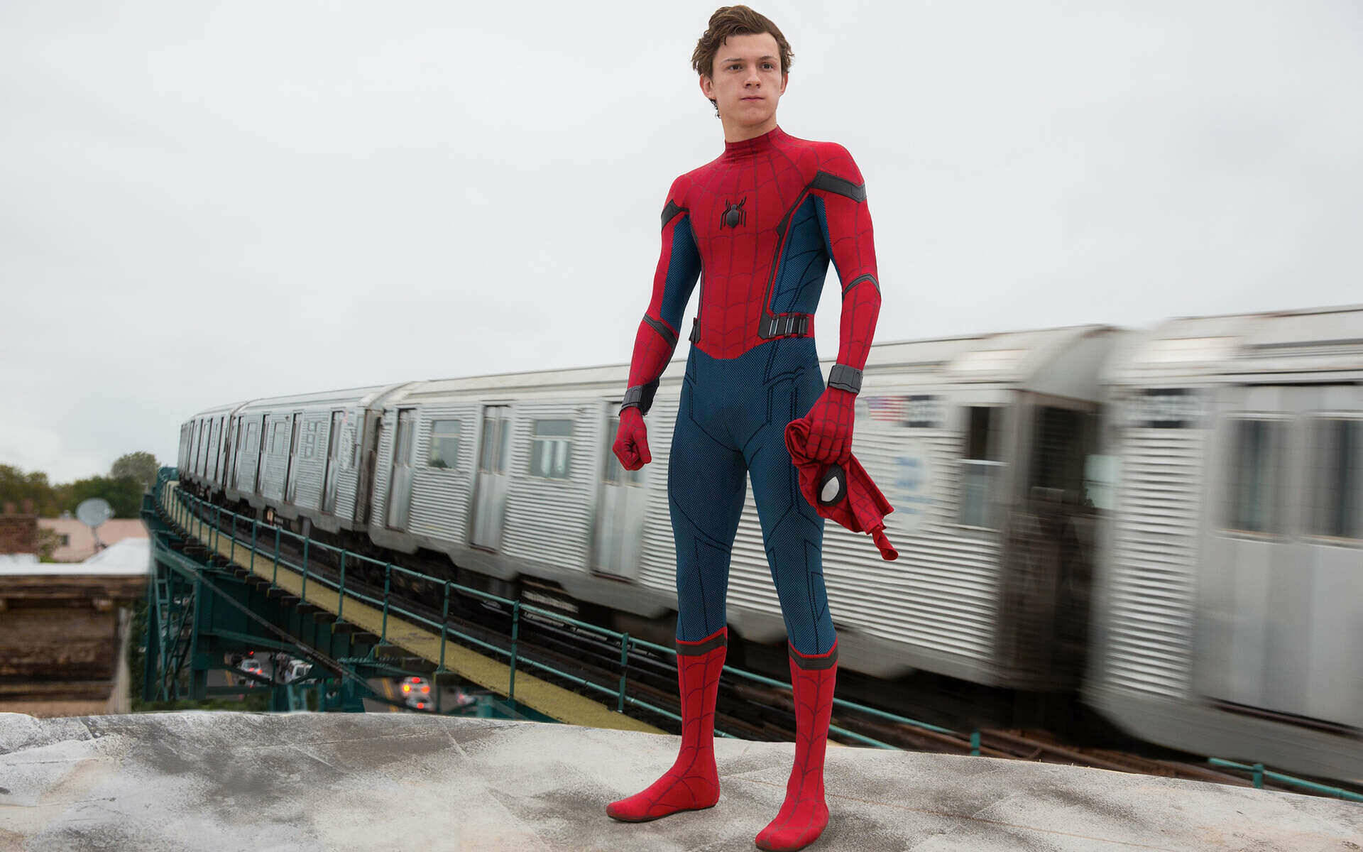 Spider-Man Homecoming Peter train