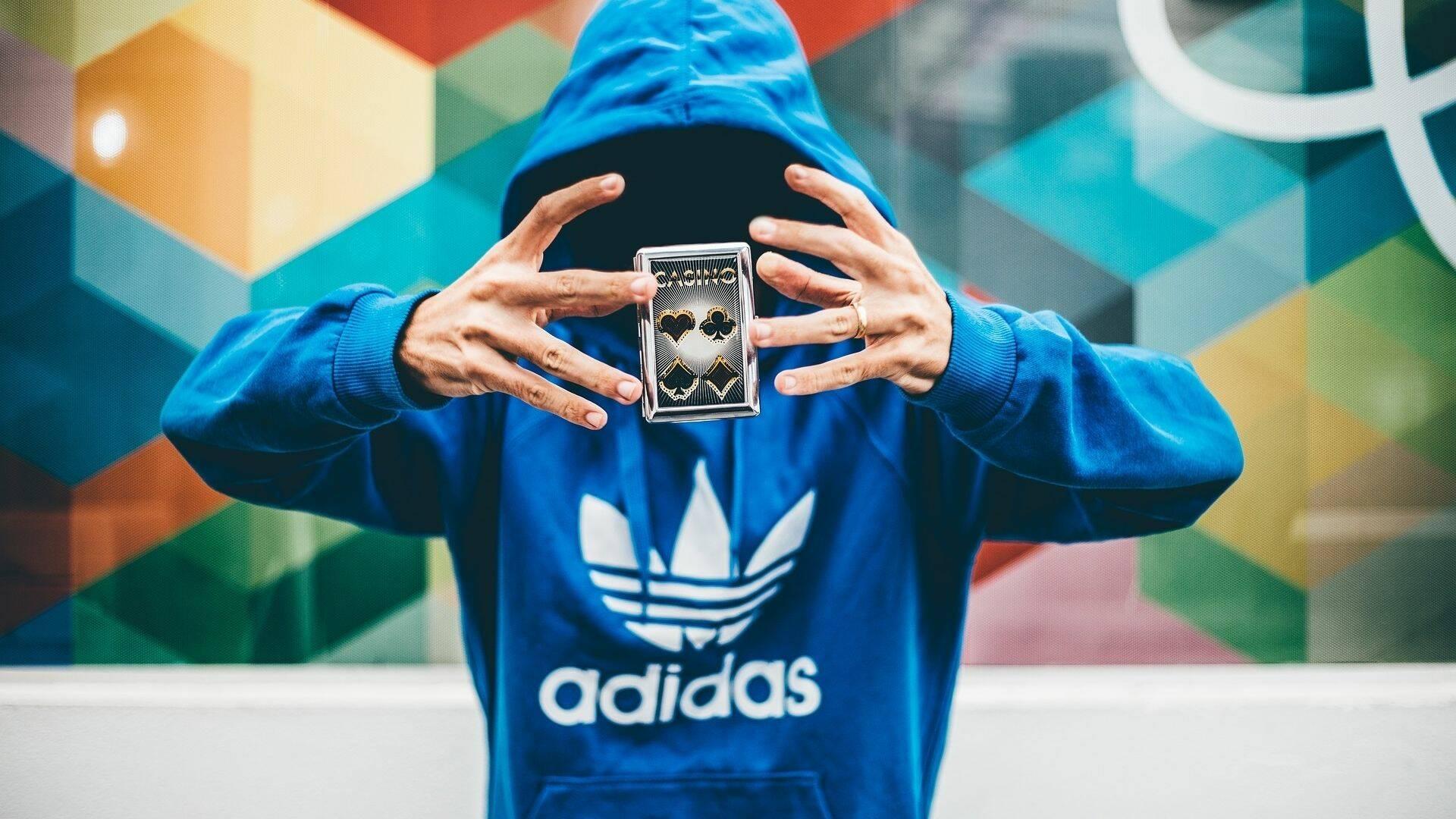 Amazon Adidas