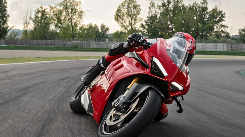 In Ducati's future there is not electricity, but synthetic fuel