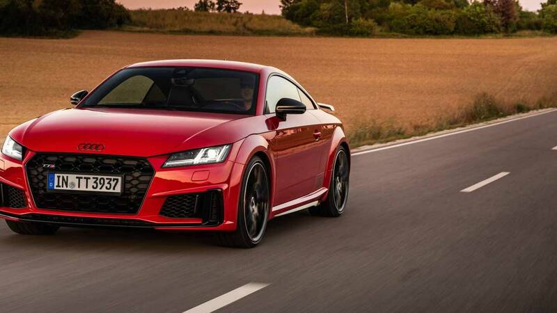 Audi TTS, ora più grintosa e sportiva c …