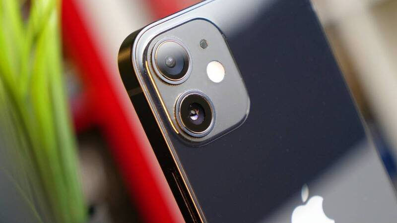 Was iPhone 12 Mini a disaster?