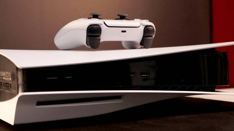 PS5 is highly desired, some lucky ones discard it at Christmas