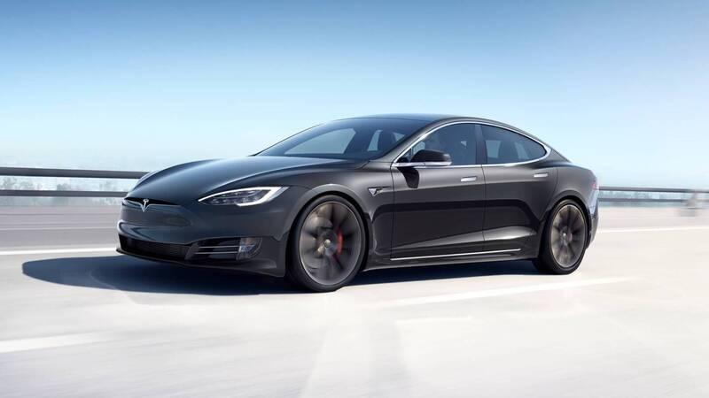 Tesla nei guai: la NHTSA chiede un richi …
