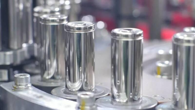 Electric car batteries, the EU authorizes new loans for 2.9 billion euros