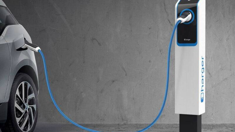 Electric cars, Acea starts the installation of 100 charging stations in Rome