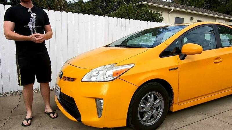 Racing on the track with a Prius, you can do it!