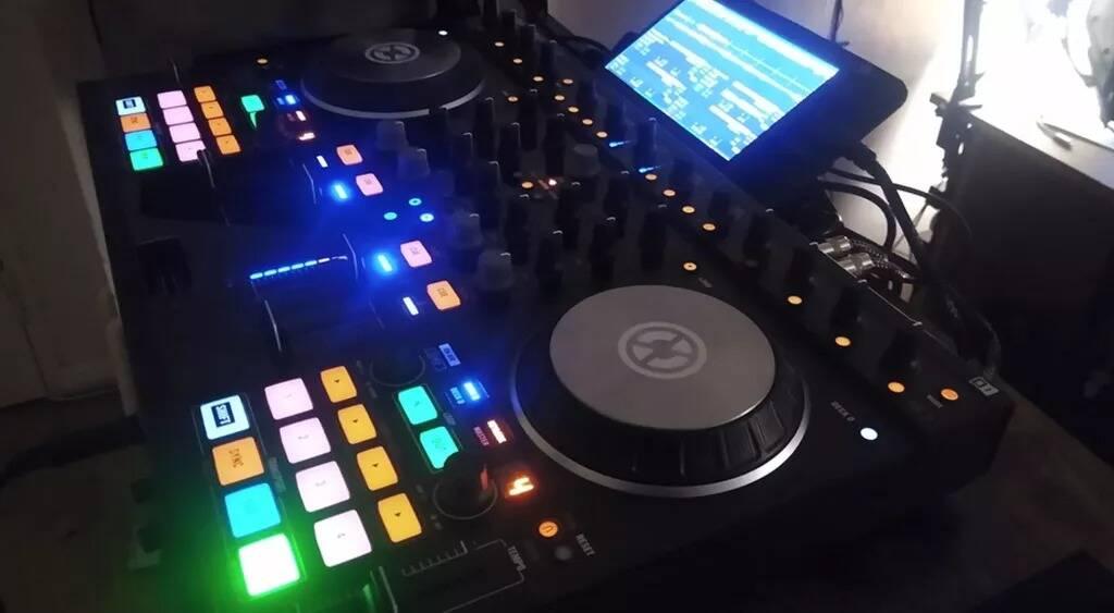 Raspberry Pi 4 DJ console
