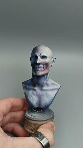 Modellismo pittura busto vampiro