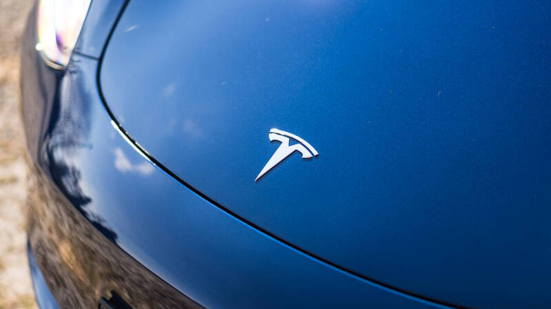 Hack a Tesla? All you need is a drone and a WiFi key