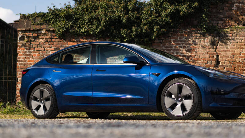 Tesla Model 3 drag race: i modelli 2019  …
