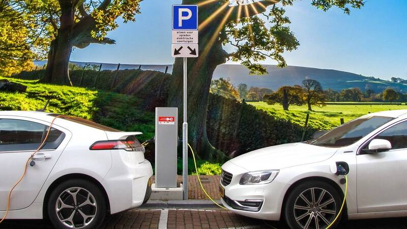 Enel X, Augusto Raggi: incentives are not enough for electric mobility