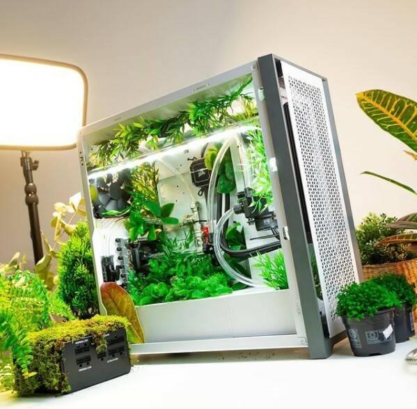 Corsair Greenhouse 5000G Case
