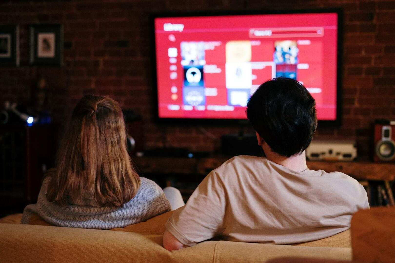 TV, streaming, coppia, Vodafone