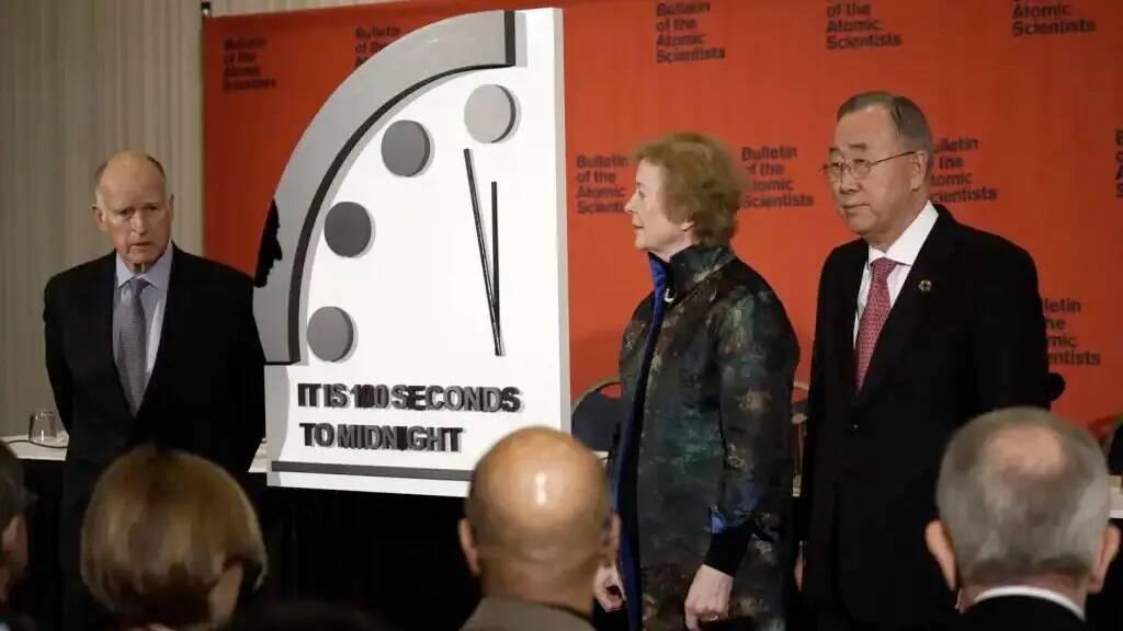 Doomsday Clock: conto alla rovescia per la fine del mondo