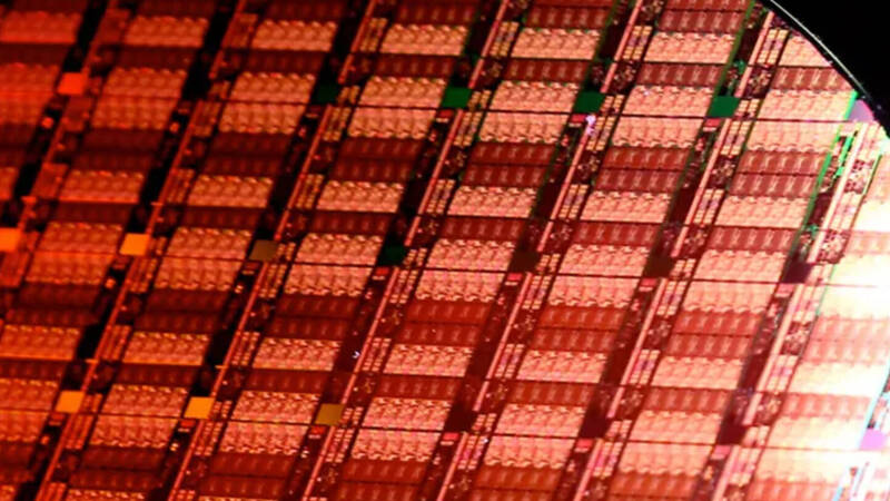 Intel remains the largest chip maker in the world, but AMD is gaining positions