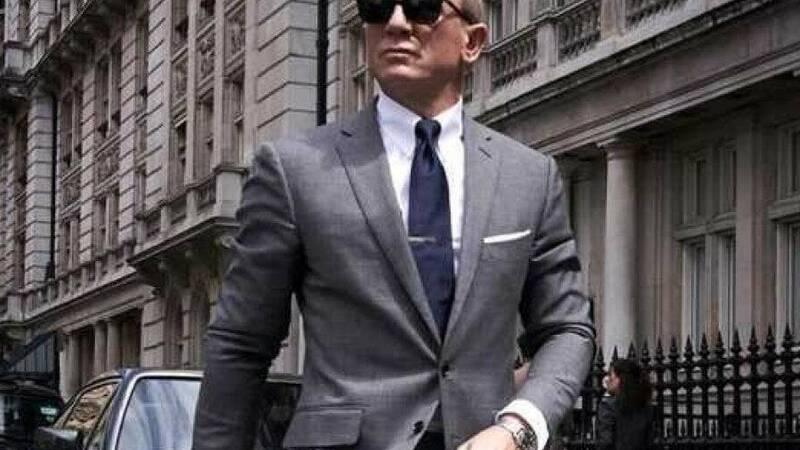 Daniel Craig's James Bond: The Human Side of Her Majesty's Spy