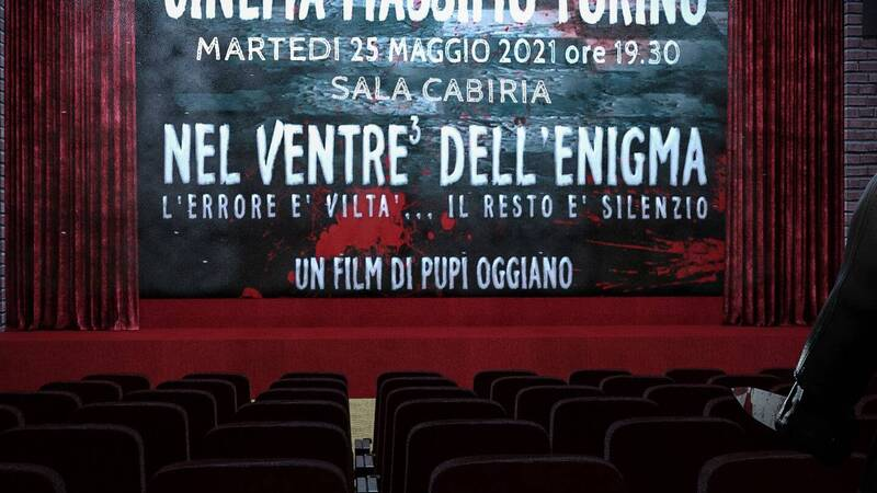 In the belly of the enigma, review and interview with Pupi Oggiano