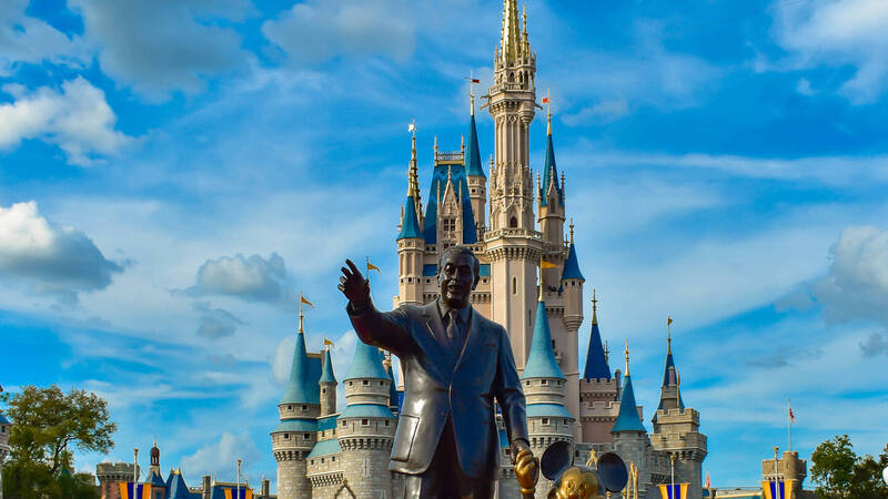 Disney parks will have interactive robots
