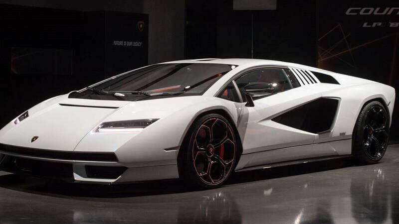 Lamborghini Countach LPI 800-4, all the official details