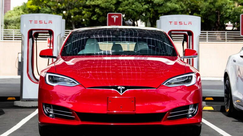 Tesla fires don't worry NHTSA, petition rejected