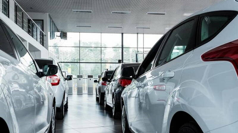 Car sales in Italy, petrol and diesel drop along with the entire market