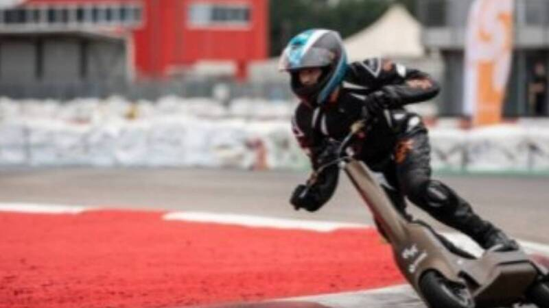 Here comes S1-X, electric racing scooter: it reaches 100 km / h